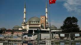Erdogan åpner moské ved Taksimplassen