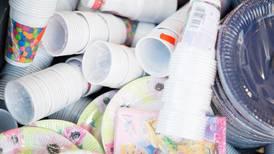 Bruker loven i kampen mot plast