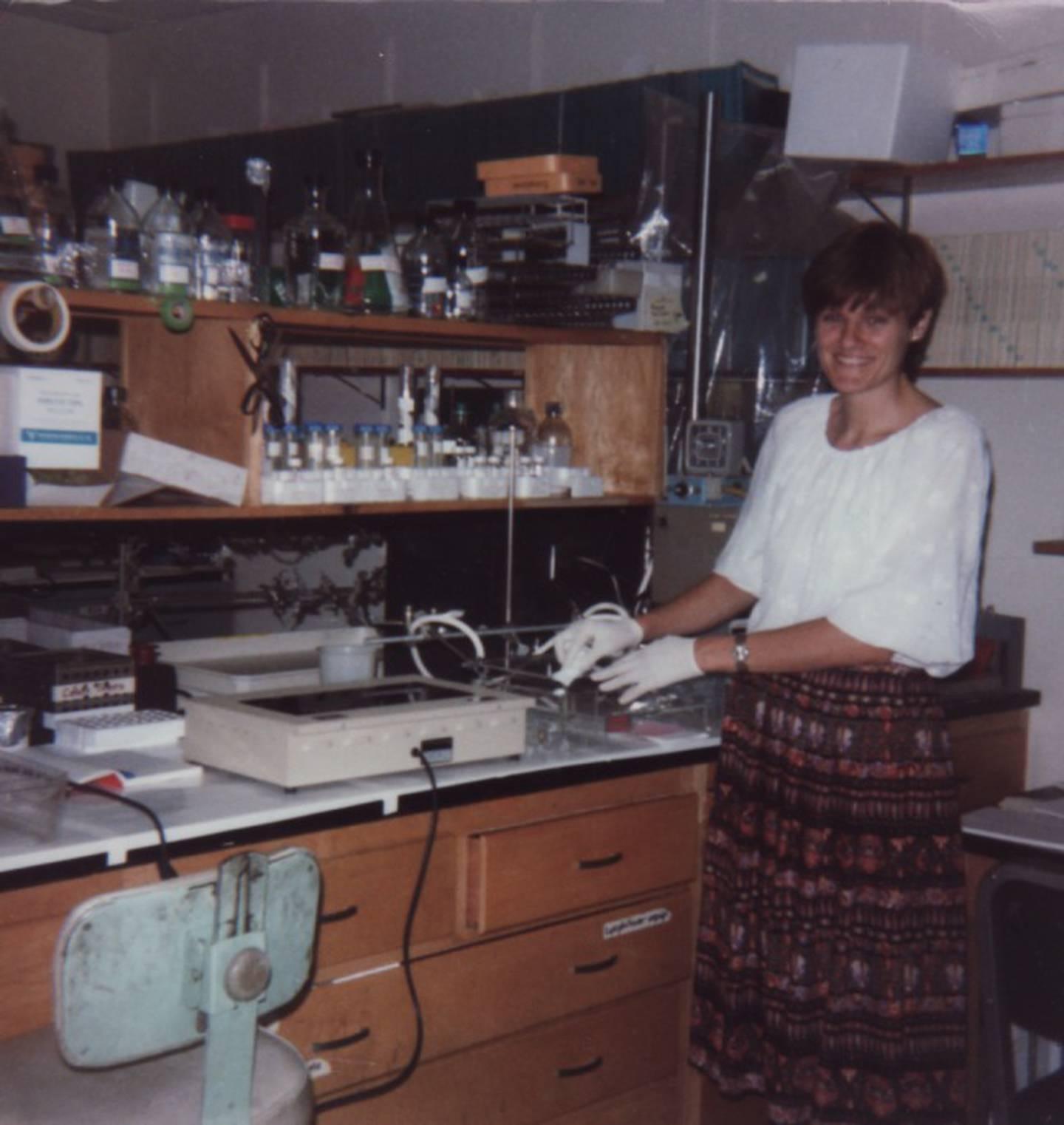 1985, Kariko på Temple Uni