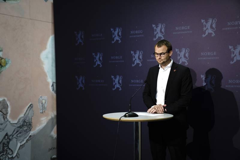 Trass skatteplanleggingssaka: Kjell Ingolf Ropstad held fram både som KrF-leiar og statsråd i regjeringa til Erna Solberg.