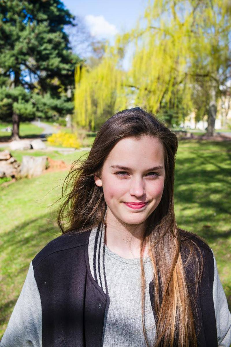 Inga Angelica Undlien (15) valde humanistisk konfirmasjon fordi ho likar at livssynshumanismen set mennesket i sentrum. Søndag skal ho konfirmerast.