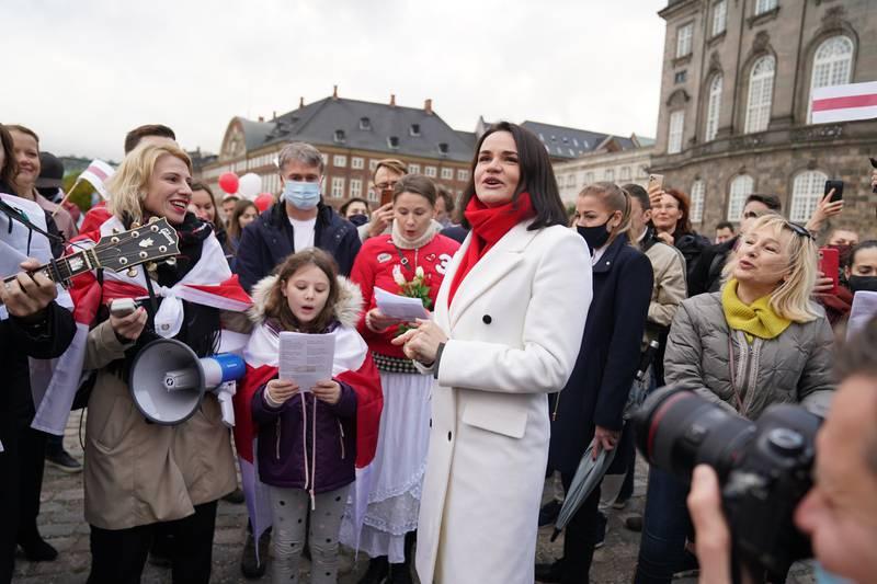 I et digitalt møte på fredag diskuterte Yara-ledelsen arbeidernes situasjon med opposisjonsleder Svetlana Tikhanovskaja, her avbildet under en demonstrasjon i København i oktober.