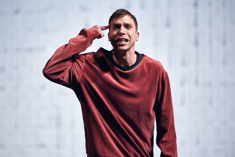 Herbert Nordrum som Hamlet.