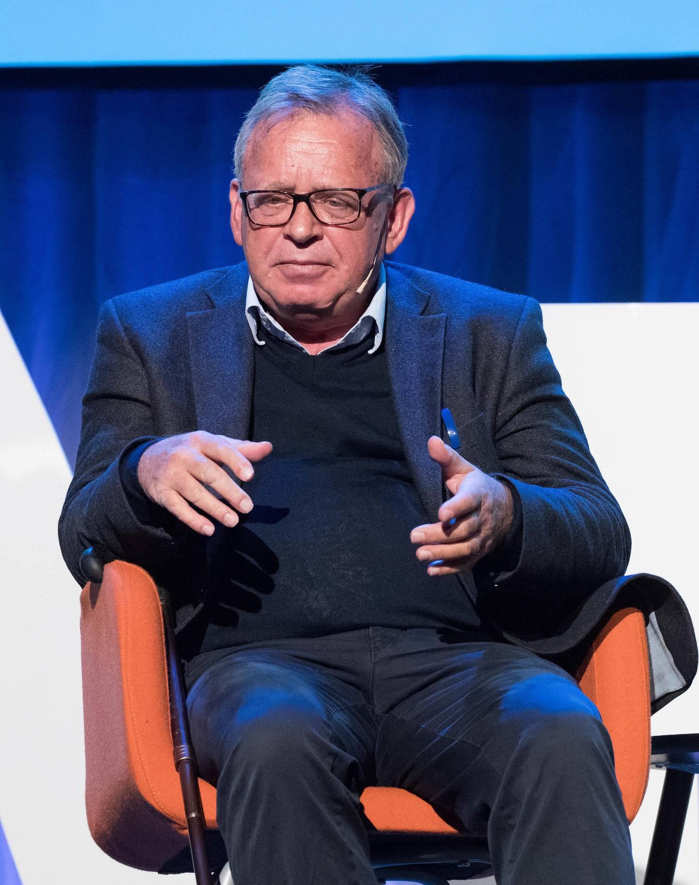 Jostein Gripsrud er medieviter og har forsket på forholdet mellom majoriteter og minoriteter i Norge og Frankrike.