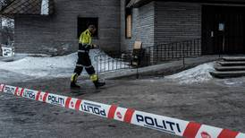 Politiet har fått nye tips om kirkebrannen på Dombås
