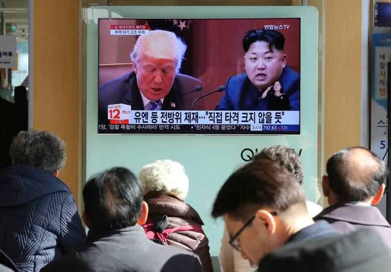 Nord-Koreas leder Kim Jong-un og USAs president Donald Trump var i heftig strid i fjor. Tirsdag starter sjeldne samtaler mellom de koreanske nabostatene.