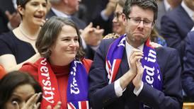 Noen smiler, noen gråter. Uansett: Adjø, EU!