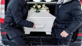 Stadig flere nordmenn velger privat begravelse