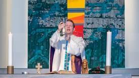 Nattverd i Bogafjell kirke: – Det var sol inne, sol ute og Jesus i sinnet