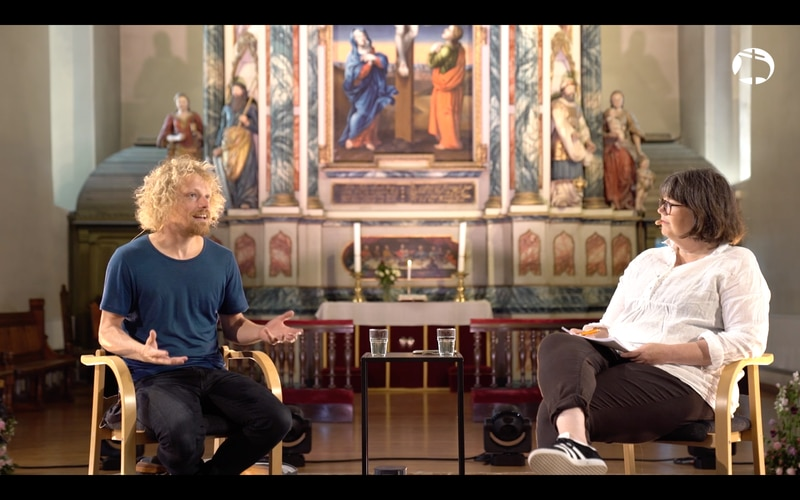OLAVSFEST: Søndag fortalte Pål Moddi Knutsen om sitt forhold til kristen tro i intervju med Berit Aalborg under Olavsfest i Vår Frue Kirke i Trondheim.
