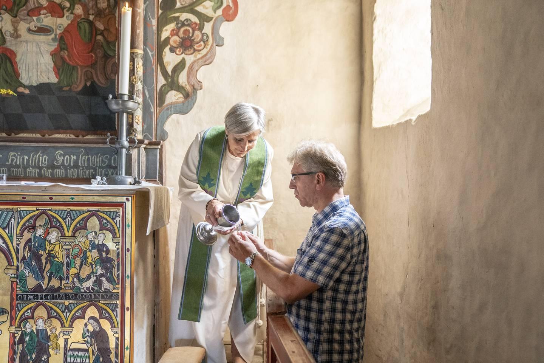 Biskopene møtes til retreat og samtale på Granavolden Gjæstgiveri i dagene 14.-18. august. Dette er første samling med alle biskopene etter at Olav Fykse Tveit ble vigslet og innsatt som ny preses i Bispemøtet. Gudstjeneste i Gamle Tingelstad kirke.   Olav Fykse Tveit dr.theol – fast preses i Bispemøtet (fra 2020), 59 år  Herborg Oline Finnset – biskop av Nidaros (fra 2017), 59 år