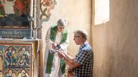 Ber kyrkjene ta klimakrisa inn i gudstenesta: – Trua vår krev handling
