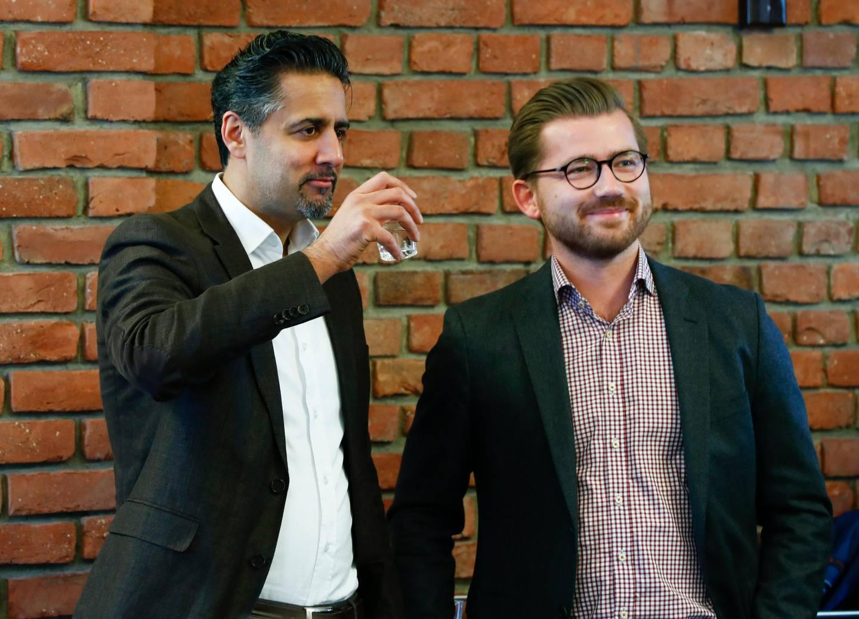 Oslo  20170328. Abid Raja t.v og Sveinung Rotevatn før Venstres landsmøte i Ålesund. Foto: Terje Pedersen / NTB scanpix