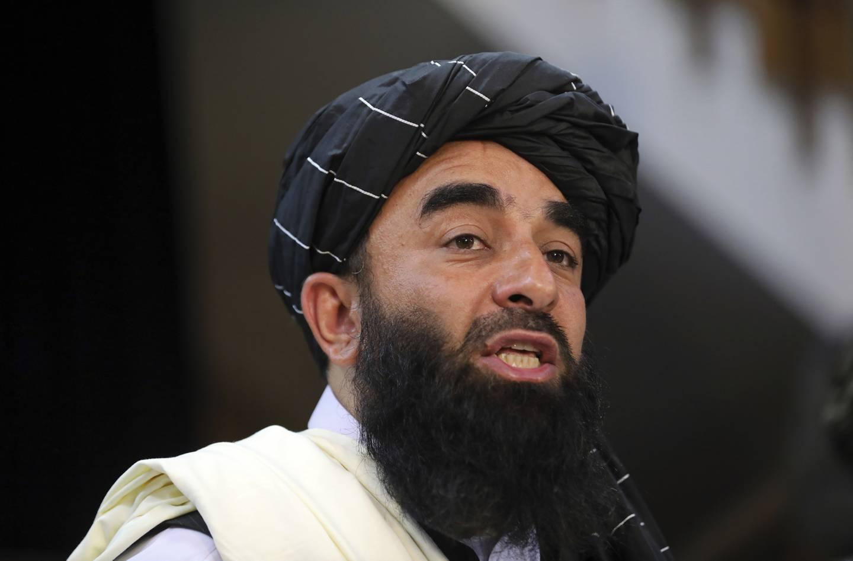 Taliban-talsmann Zabihullah Mujahid mener det var feil av USA å forsøke å stanse IS med et «tilfeldig angrep» som førte til at sivile ble drept. Foto: Rahmat Gul / AP / NTB