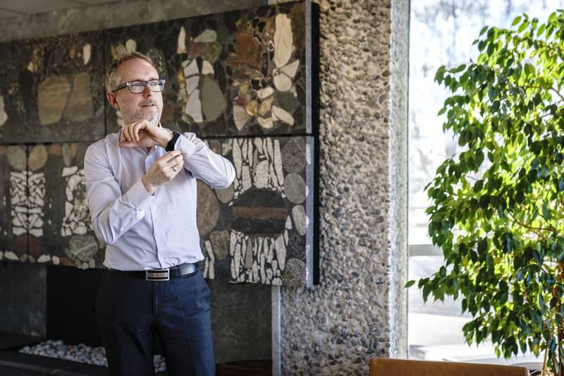 Norad-direktør Bård Vegar Solhjell.  Wenche Fone, avdelingsdirektør i avdeling for sivilt samfunn og privat sektor.
