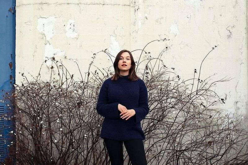 Med sine 26 år er Marthe Wang yngste medlem i Oslo Gospel Choir. Nå platedebuterer hun som soloartist, men enn samling låter som begeistrer Vårt Lands anmelder.