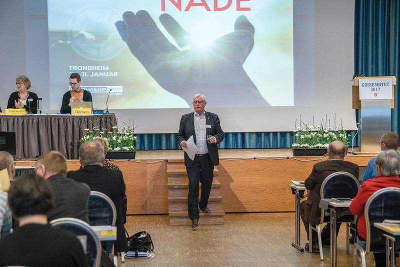 – Den norske kirke vil mer enn hva offentlig finansiering vil dekke i fremtiden, derfor bør vi utvikle også egenfinansiering, sa Jens-Petter Johnsen i Kirkemøtet fredag.