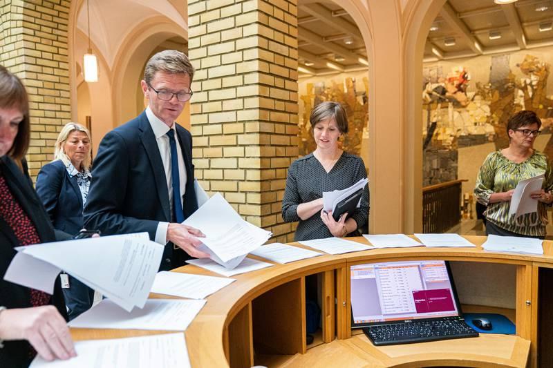 Trontaledebatt på Stortinget 2019. Kjersti Toppe og Terje Breivik