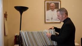 Vatikanets overgrepskontor neddynget i saker