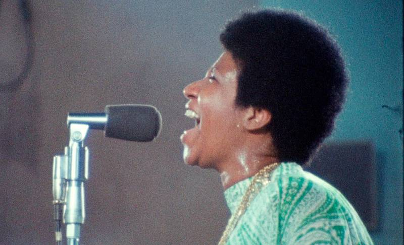 """This image released by Neon shows Aretha Franklin in a scene from the film, """"Amazing Grace."""" (Neon via AP)"""