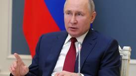 Putin og Biden med et første håndtrykk - enige om atomnedrustning