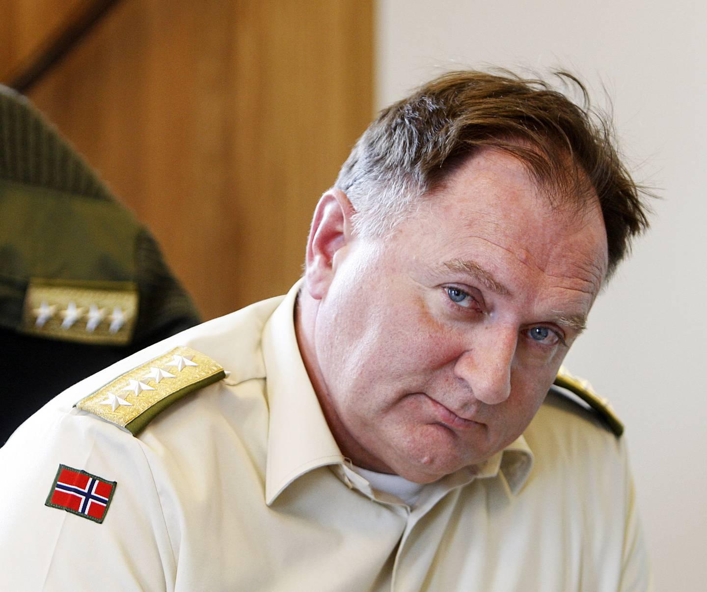 OSLO 20080328: Forsvarssjef, general Sverre Diesen, er i hovedsak fornøyd med stortingsmeldingen om Forsvaret. Men han hadde gjerne sett at regjeringen gikk inn for et mer profesjonelt forsvar med flere vervede mannskaper.  Foto: Knut Falch / NTB