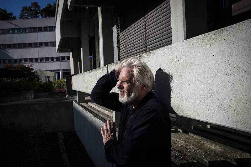 Tomm Kristiansen er utenriksjournalist i NRK. Han er også en av andaktsholderne som holder morgenandakt på NRK – en rolleblanding pressesjef i Human-Etisk Forbund reagerer på.