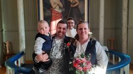 «Drop-in»-bryllup på Valentinsdagen ga ni nygifte par