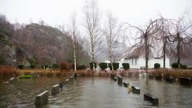 Våtere klima truer kirkene