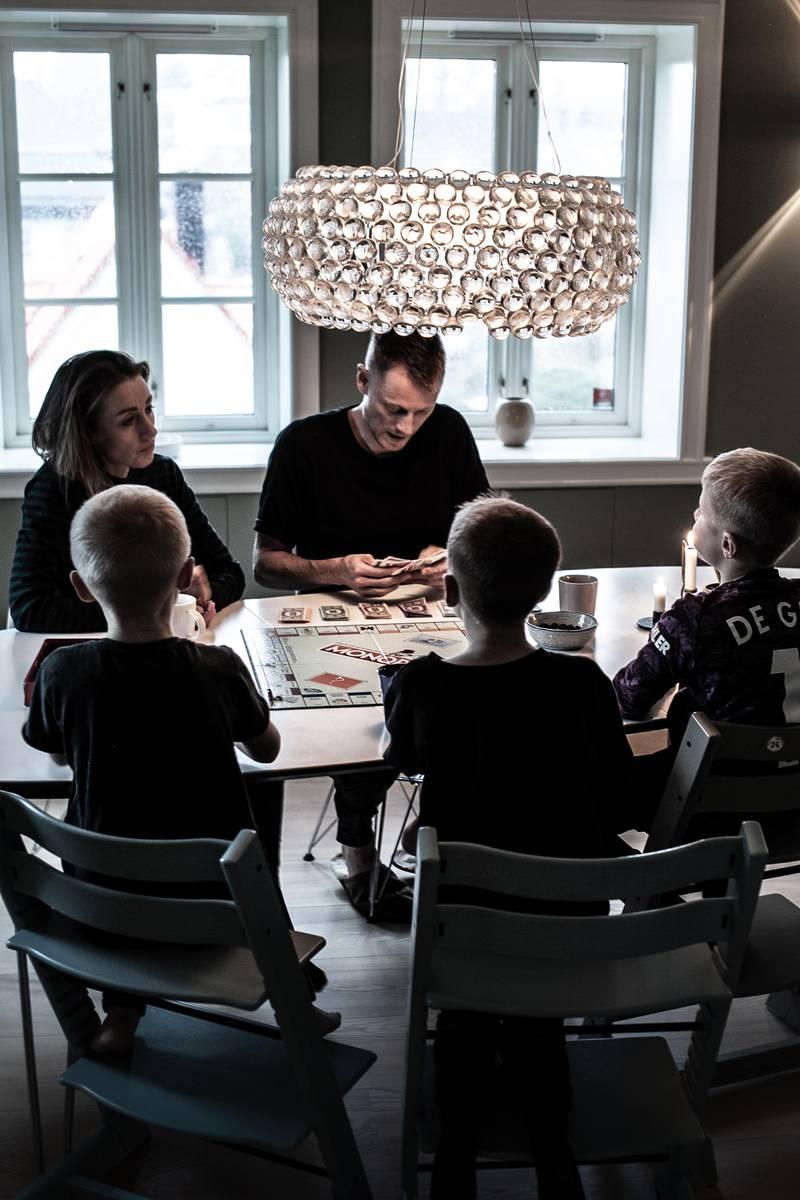 Tre barn på to år fikk ekteparet Rachel og Kristian David Elgen til å lete etter redskaperfor å pleie parforholdet. Svaret ble en app.