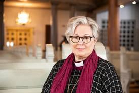 Svensk bispedømmeråd har mistet tilliten til biskopen – ber henne gå av