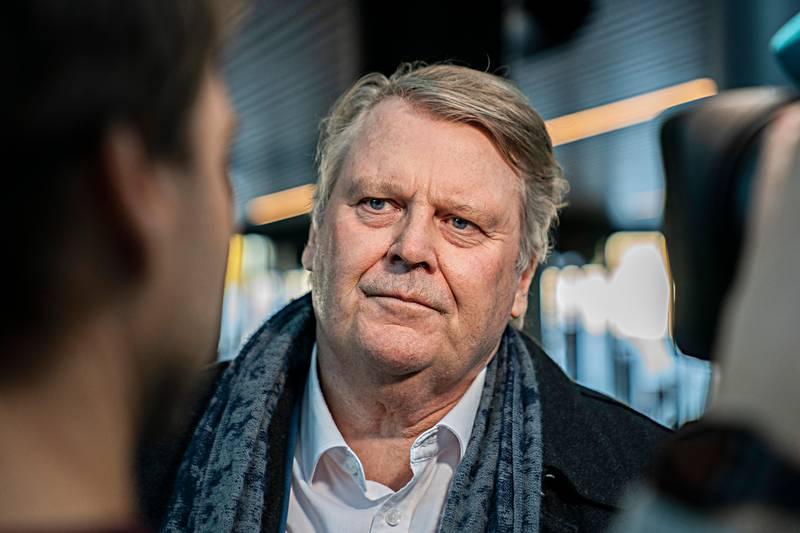 KrFs landsstyre møtes for å gi råd om regjeringsdeltakelse. Hans Fredrik Grøvan