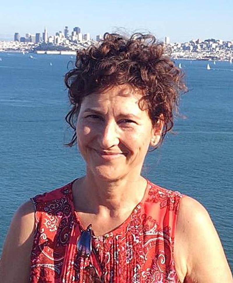 – Videoen er en god idé, men det er veldig synd at Aune Sand med Bibelselskapets tillatelse får blande inn sin egen nedvurderende «hyllest av kvinnen», sier Jone Salomonsen, professor i teologi ved Universitetet i Oslo.