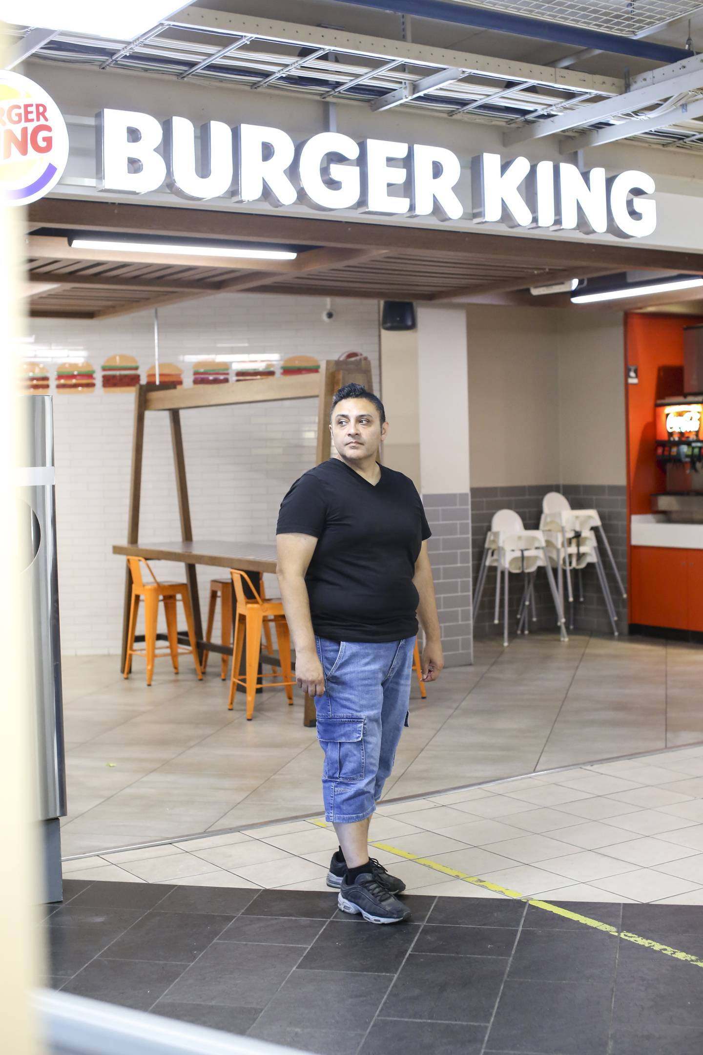 Shahzad Ghufoor fotografert på Mortensrud. Han etterlyser bedre kontroll av halal-mat