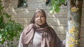 Fatima fikk beskjed om at hun var for dårlig i norsk til å få jobb. Så tok hun grep