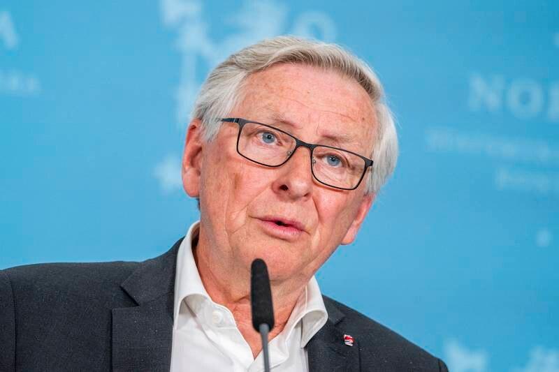 Koronakommisjonens leder Stener Kvinnsland presenterte kommisjonens sluttrapport på en pressekonferanse på Statsministerens kontor i Oslo onsdag. Foto: Håkon Mosvold Larsen / NTB
