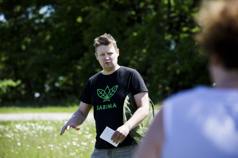 Christian Steel, leder for Sabima fotografert bak Universitetet i Oslo.