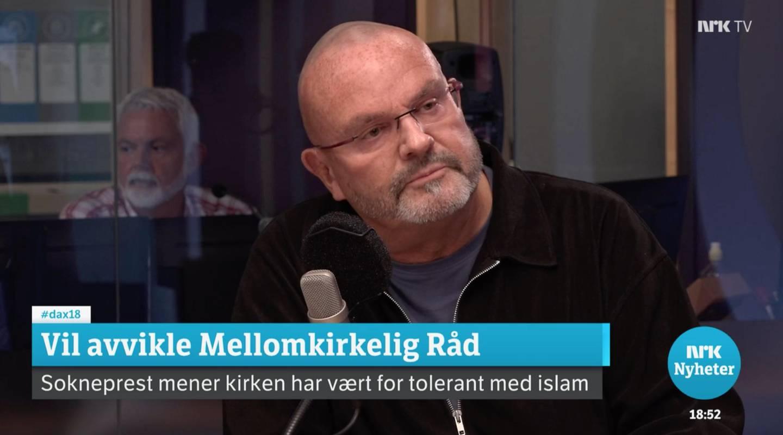 Sokneprest Einar Gelius har tatt til orde for at vi trenger en usminket debatt om islams forhold til vårt demokrati og menneskerettighetene. Her gjester han Dagsnytt Atten, 18. september 2020.