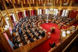 Stortinget på lønstoppen