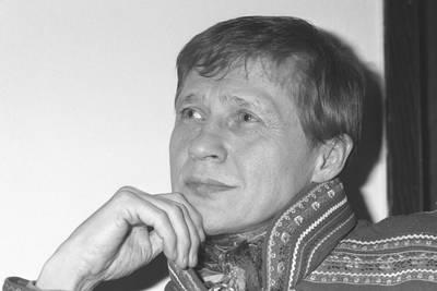 Nils-Aslak Valkeapää vokste opp blant rein, men ble kunster