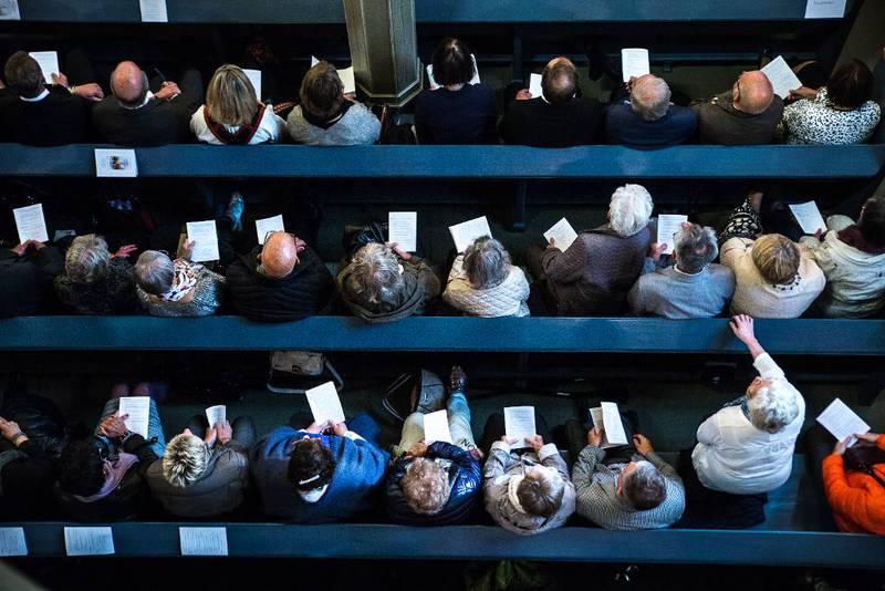 Rekordmange meldte seg ut av Den norske kirke i fjor. Nå kan utmeldingen gjøres elektronisk på kirken.no. – Folk i dag er vant til å fikse det meste på nett, og vi tror denne tjenesten er i tråd med deres forventninger for Den norske kirke, sier Ingeborg Dybvig, kommunikasjonsdirektør i Den norske kirke.