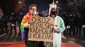 Kirken taper terreng i Polen