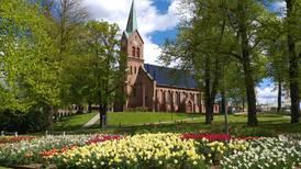 Direkte kl. 12.10: Se gudstjeneste fra Sarpsborg kirke