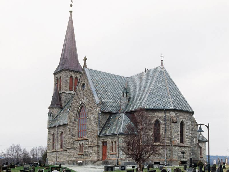 199604: Melhus kirke , Sør-Trøndelag . NTB arkivfoto: Gorm Kallestad / NTB