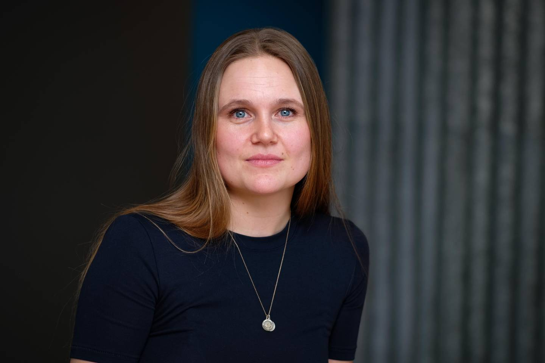 TO TANKER: Man må kunne håndtere både hente flyktningkrise og koronakrise, sier Marthe Engedahl, juridisk rådgiver i Unicef.