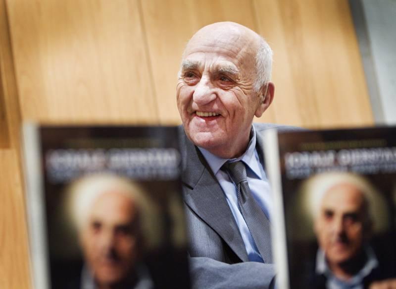 11. april fyller Joralf Gjerstad 95 år. Her er han fotografert da boken om ham ble lansert i 2010. Foto: Gorm Kallestad / NTB