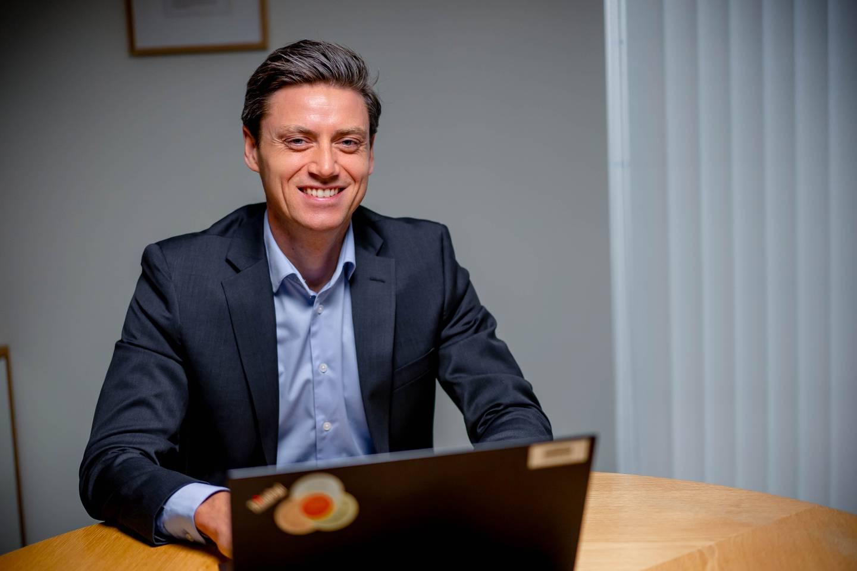 Lars-Erik Eriksen er leder for salg til bedriftsmarkedet i Storebrand.