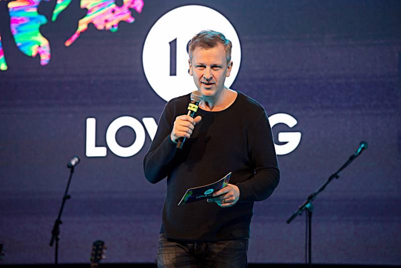 Øistein Øvergaard er daglig leder for stiftelsen Lovsang.no, som står bak arrangementet Lovsang 10.