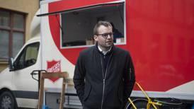 I høst har Ropstad reist rundt til frivillige organisasjoner med avlatspenger
