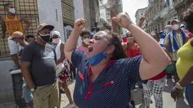 Uro i Cuba: Folkeopprør mot revolusjonsregimet